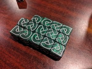 Make great looking Knotwork patterns with Knot Dice.