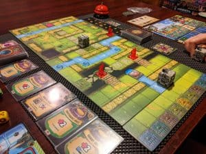 Quodd Heroes can feature some very maze like boards.