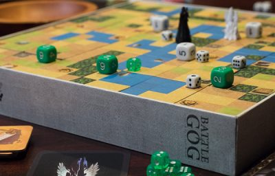 White vs Green in this game of Battle of GOG an abstract wargame.